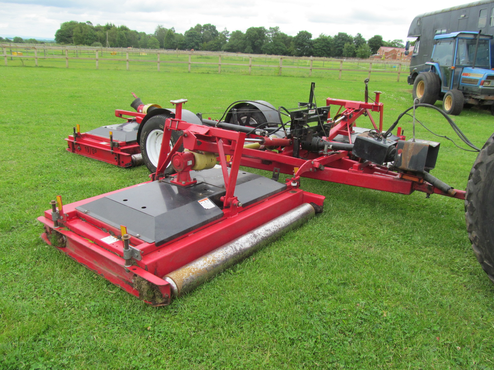 Progressive Tdr15 Wide Area Rotary Mower on kubota 2 cylinder